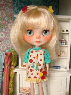 Smock dress for Blythe doll by Herzlichkeiten on Etsy