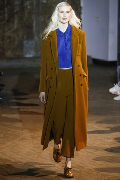 Creatures of Comfort Fall 2016 Ready-to-Wear Fashion Show  http://www.theclosetfeminist.ca/  http://www.vogue.com/fashion-shows/fall-2016-ready-to-wear/creatures-of-comfort/slideshow/collection#2