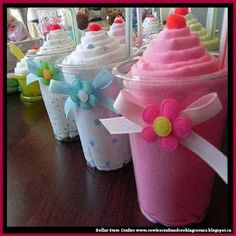 Receiving Blanket Milkshake - Unique Baby Shower Gifts and Favors Receiving blanket milkshakes.super cute DIY baby shower gift Would be cute to give when visiting or when u go to see any in hospital Shower Party, Baby Shower Parties, Shower Favors, Bridal Shower, Homemade Gifts, Diy Gifts, Baby Shower Unique, Regalo Baby Shower, Little Presents