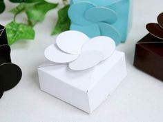 White Petal Top Favor Box - 100pc | eFavorMart $24.99