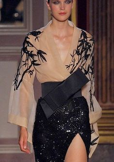 Stunning design by Zuhair Murad inspired by Japanese style  #fashion #style #runway