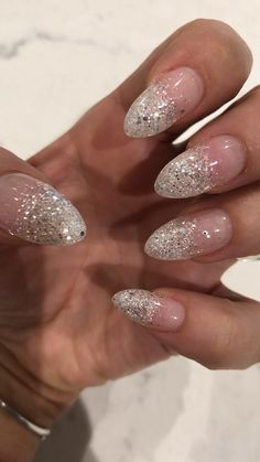 In search for some nail designs and ideas for your nails? Here's our list of must-try coffin acrylic nails for fashionable women. Glitter Tip Nails, Glittery Nails, Matte Nails, Fun Nails, Hallographic Nails, Almond Acrylic Nails, Almond Nails, Crackle Nails, Dipped Nails