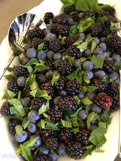Salad Recipe: Blackberry Blueberry Mint Salad #vegan #raw #glutenfree #recipes #salad