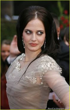 Eva Green Fashion mishap