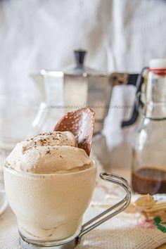 Crema al caffè fredda e golosa-Una siciliana in cucina Granite, Tiramisu, Espresso Recipes, Food Out, Almond Cakes, Vegan Baking, Milkshake, Cake Cookies, Sweet Treats