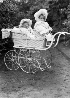Two children in a pram, circa – For Pregnant Women Vintage Children Photos, Vintage Pictures, Vintage Images, Vintage Stroller, Vintage Pram, Prams And Pushchairs, Dolls Prams, Baby Buggy, Baby Prams