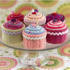 Free cupcake knitting pattern. What a cute idea for a pin cushion!