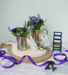 #2Flowergirls Anemones and grape Hycinths in vintage silver by happyhomeblog.de