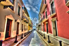 The Big Picture photography competition: round 365 A quiet street in San Juan, Puerto Rico Declan Reilly of Colchester, E