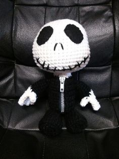 vamptropolis: Jack Skellington Sackie  I want this little guy so bad... he would complete my bed