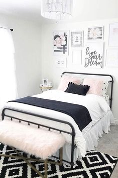 Cute Vintage Teen Bedroom Idea Need some teen bedroom ideas for g. Cute Vintage Teen Bedroom Idea Need some teen bedroom ideas for girls? Check out different cheap and Vintage Teen Bedrooms, Pink Bedrooms, Master Bedrooms, Bedroom Vintage, Cute Teen Bedrooms, Vintage Girls, Teen Rooms, Vintage Ideas, Vintage Decor
