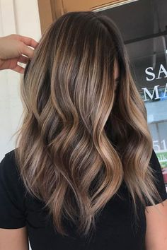 Chocolate Brown Hair with Beige Blonde Natural Highlights