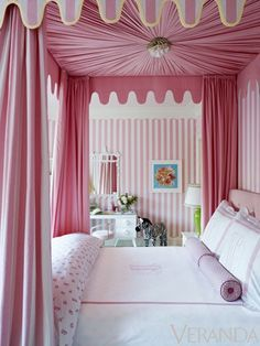 """Design Chic: Canopy Beds  Ruthie Summers via Veranda The side of me that is very girly girl is screaming """"yea pink""""!"""