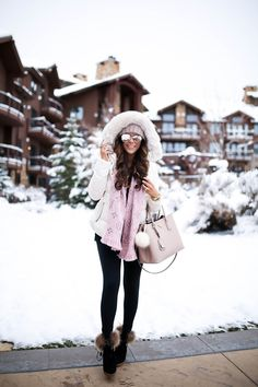 The Sweetest Thing: Pops of Pink (Snow Day in Park City) Winter Outfits Tumblr, Winter Fashion Outfits, Fall Winter Outfits, Winter Wear, Autumn Winter Fashion, Winter Looks, Snow Day Outfit, Look Rose, Fashion Clothes
