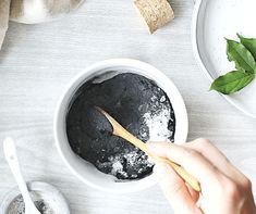 Вы это заслуживаете! Это обертывание глиной для похудения и очистки тела очень легко сделать дома. Это простой и эффективный способ детоксикации всего тела, который помогает удалить нежелательные токсины и избыток жидкости, а также восполнить недостаток минералов и влаги.