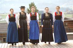 Die Juppe im Blickpunkt; Bericht v. Bridesmaid Dresses, Wedding Dresses, Austria, Skirts, Fashion, Europe, Dirndl, Postcards, Woman