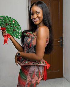 African Wedding Dress, African Dress, Kente Dress, Kente Styles, African Fashion Ankara, African Design, African Beauty, Classy Dress, Ootd Fashion