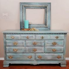With multiple layers of chalk paint and metallic highlights, this tradiational dresser has a new coastal feel. #dixiebellepaint #bowtietreasures Chalk Paint Dresser, Gold Dresser, Chalk Paint Furniture, Bedroom Furniture, Furniture Design, Painted Desks, Painted Dressers, Painted Furniture For Sale, Traditional Dressers