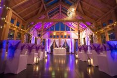 Unique wedding venue at Peover Golf Club, in this gorgeous timber framed building by Roderick James Architects.