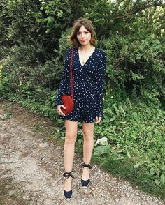 Dots, Espadrilles, and a pop of red Espadrilles Outfit, Castaner Espadrilles, Spring Summer Fashion, Autumn Winter Fashion, Style Summer, French Style Dresses, Emma Style, Hipster, Grunge
