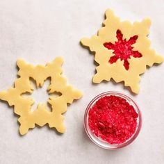 "How to make a gorgeous ""stained-glass"" cookie: http://www.midwestliving.com/food/holiday/how-to-decorate-dazzling-cookies/?page=3"