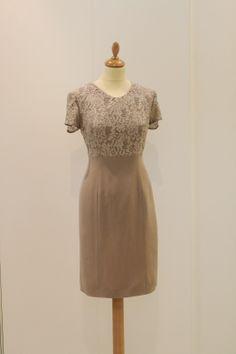 Modacucita: nuova collezione cerimonia, abito in cady con corp...