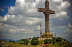 Skopje-Macedonia-Millennium Croce
