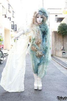 Japanese Shironuri Fashion in Harajuku (106)