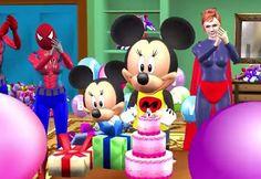 Vas a sorprender con Mickey y otros conocidos amigos, una de las felicitaciones de cumpleaños que te van a sacar una sonrisa.