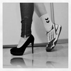 Bilderesultat for we heart it handball Boxing Punching Bag, Mademoiselle, Taekwondo, Athlete, Soccer, Workout, Clothes For Women, Lady, My Style