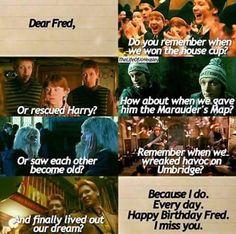 Happy birthday fred and george Mundo Harry Potter, Harry Potter Puns, Harry Potter Feels, Harry Potter Pictures, Harry Potter Universal, Harry Potter World, Harry Potter Characters, Fred Y George Weasley, Fred Weasley Death