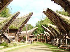 Rumah Adat Tongkonan Tanah Toraja, Indonesian