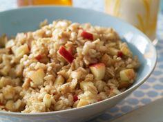 Baked Apple Oatmeal http://www.prevention.com/food/cook/8-heart-healthy-breakfasts/slide/9