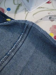 Hemming Jeans the Easy Way : 13 Steps (with Pictures) - Instructables Hemming Jeans, Hem Jeans, Sewing Projects For Beginners, Sewing Tutorials, Sewing Patterns, Sewing Hems, Sewing Diy, Sewing Alterations, Clothing Alterations