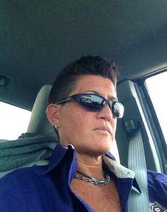 #lesbian #style #fashion Mirrored Sunglasses, Mens Sunglasses, Butches, Ray Bans, Tomboys, Lesbians, Style Fashion, Men's Sunglasses, Tomboy