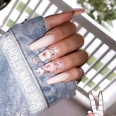 If you have problem with long nails, then try Acrylic Nails or artificial nails. Listed below are the Best Acrylic Nails Ideas for 2019 to take inspiration. Summer Acrylic Nails, Best Acrylic Nails, Acrylic Nail Designs Coffin, Coffin Nails Designs Summer, Nail Polish Designs, Acrylic Nail Art, Acrylic Nail Designs For Summer, Acrylic Summer Nails Coffin, Light Pink Acrylic Nails