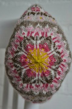 Faire Isle knitted hat made with my handspun and naturally dyed Shetland wool by Wol 'n Draad