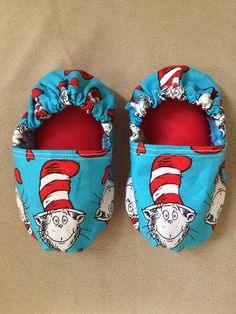 Dr Seuss baby shoes Dr Seuss baby booties Dr Seuss by BabyBrays Dr Seuss Birthday Party, New Birthday Cake, Baby Birthday, 1st Birthday Parties, Birthday Ideas, Cat In The Hat Party, Dr. Seuss, Dr Seuss Cake, Girls Party Decorations