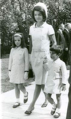 Jacqueline Kennedy, Caroline, John