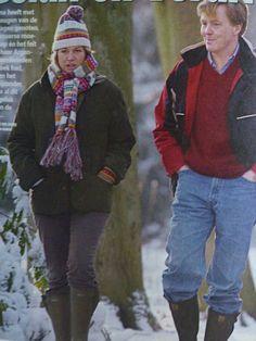 Eerste foto van Maxima na de geboorte van Amalia. Ze wandelen in de sneeuw met de familie Zorrequita.