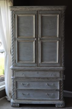 Love the grey antique style