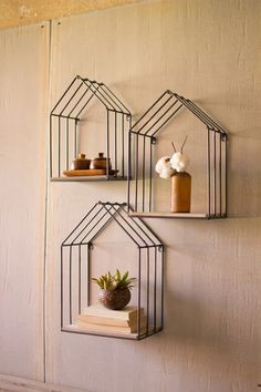 House Shelves, House Wall, Cool Shelves, Wall Shelves Design, Home Decor Outlet, Diy Home Decor, Wood And Metal Shelves, Bedroom Decor, Wall Decor