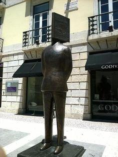 Statue of Fernando Pessoa