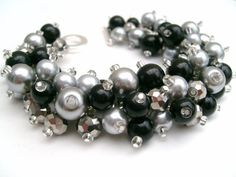 Black and Silver Gray Pearl Cluster racelet by KIMMSMITH on Etsy