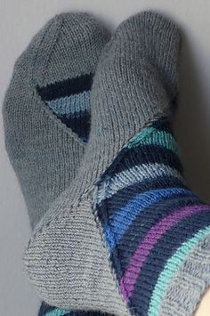 Ravelry: zukiknits' ~ Knitting Socks, Knit Socks, Ravelry, Knitting Patterns, Knit Crochet, Nail Art, Sewing, Crafts, Stuff To Buy