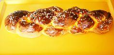 Ein toller flaumiger #Striezel aus einem Germteig. Köstlich zum Frühstück oder als Snack. Einfach wunderbar dieses Rezept!