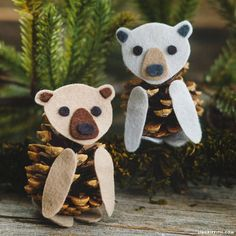 Felt & pinecone animals are a wonderful kid's craft for short attention spans - simply glue your felt pieces to a pinecone to make cute felt pinecone bears