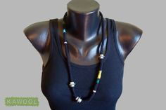 [Necklace] wet felting, metal beads*