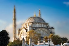 Nuruosmaniye Mosque near the entrance to the Grand Bazaar, in Istanbul, Turkey shows early Baroque and Rococo influences
