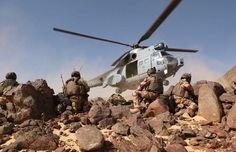 Pour le réveillon de la Saint Sylvestre 2014, le ministre de la Défense, Jean-Yves Le Drian, s'est rendu auprès des forces françaises présentes à N'Dj